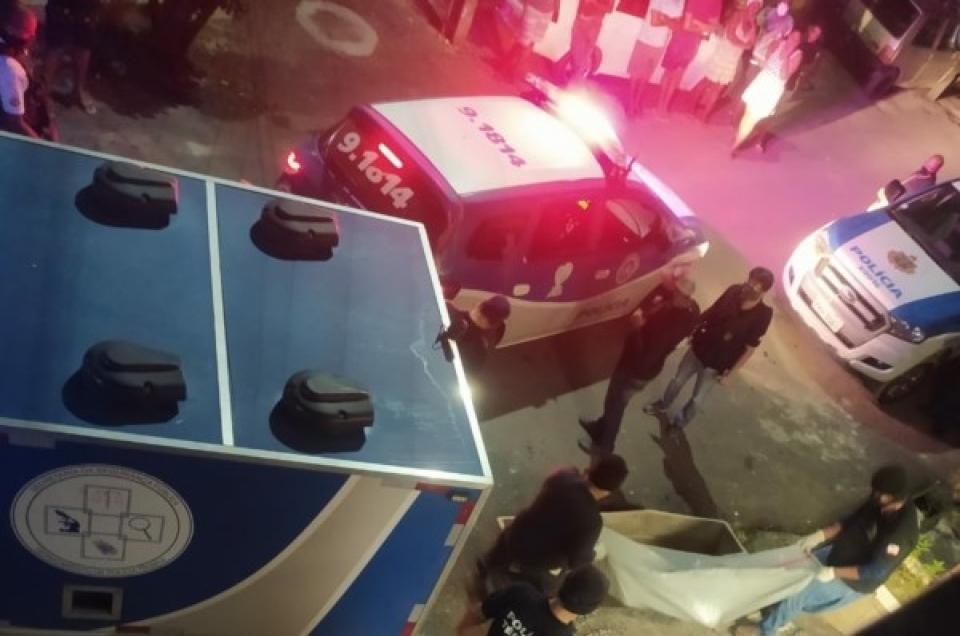 Cachaça doida: Casal bebia na porta, discutiu e mulher matou o marido a facadas