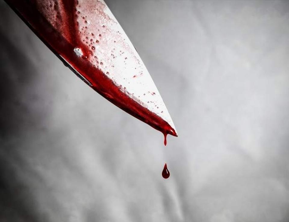 Homem mata o filho de três anos a facadas em MG