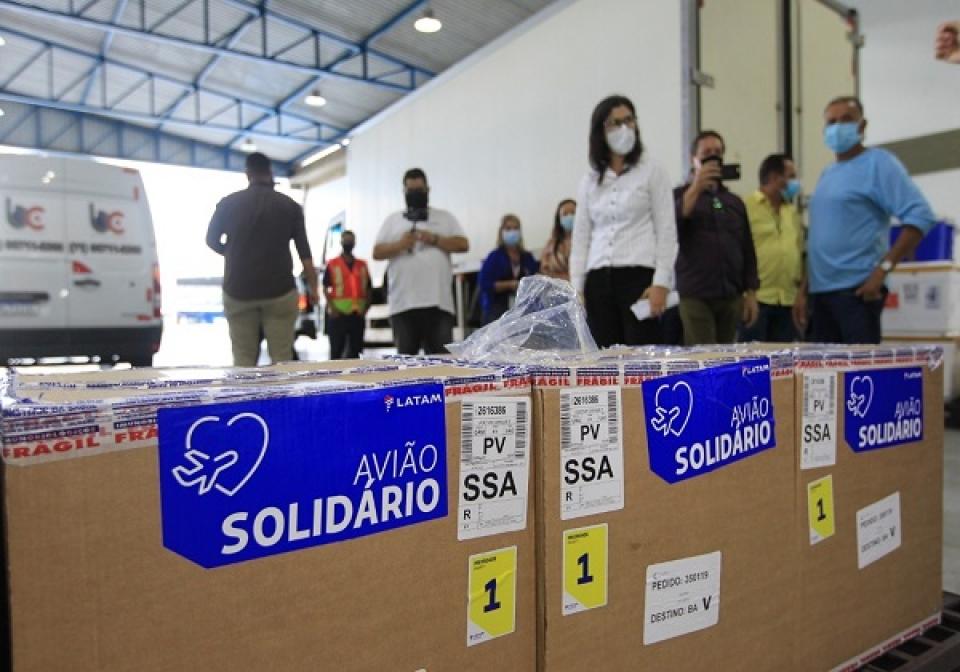 Bahia receberá nesta sexta-feira 566,7 mil doses de vacina para aplicação de reforço