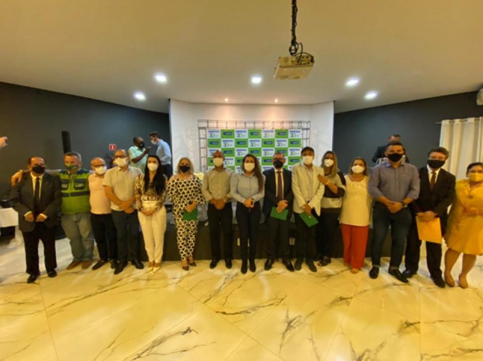 Eunápolis: Prefeita relata ações e investimentos de administração municipal