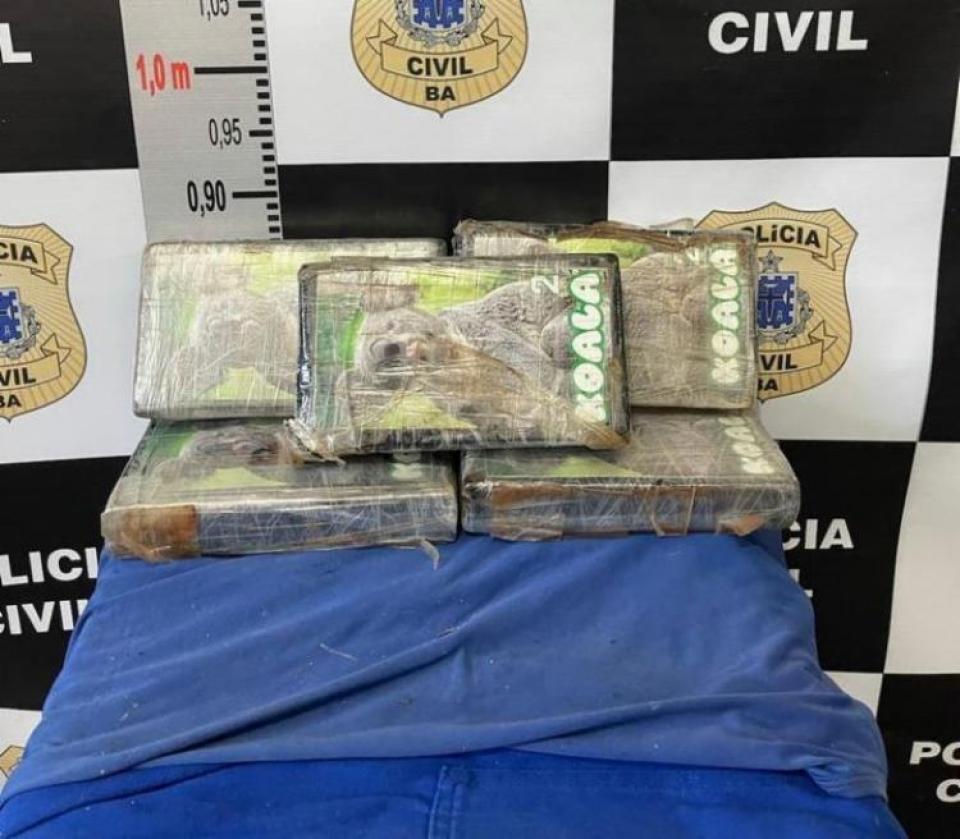 Homem é preso com 5 kg de pasta base de cocaína na BR-101