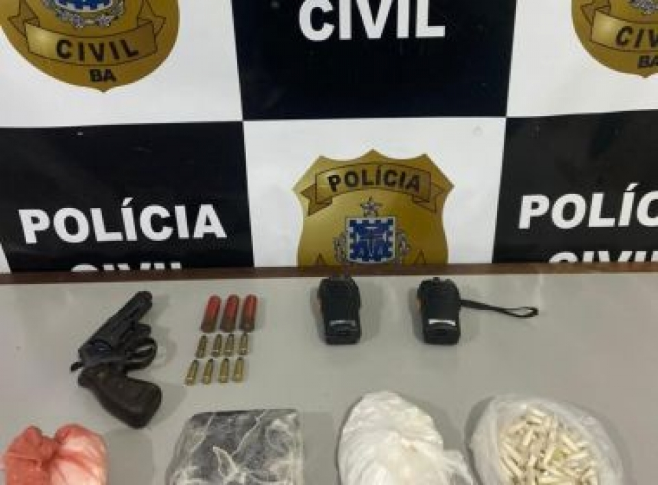 Porto Seguro: Polícia apreende cocaína, arma e produtos roubados de fazenda